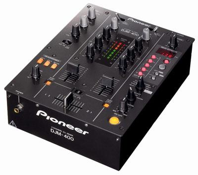 Pioneer анонсировали DJ-микшер DJM-400