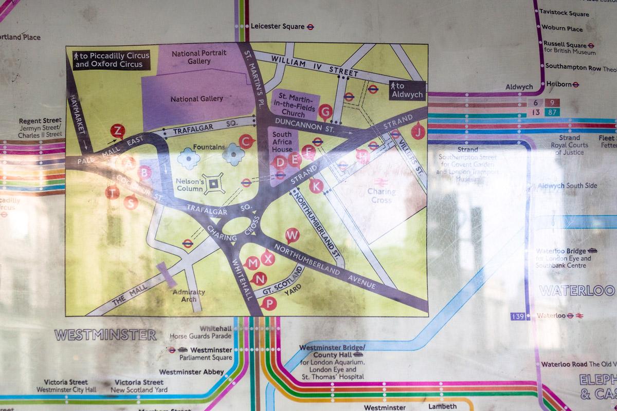 Фрагмент схемы автобусных остановок в районе вокзала «Черинг-кросс»