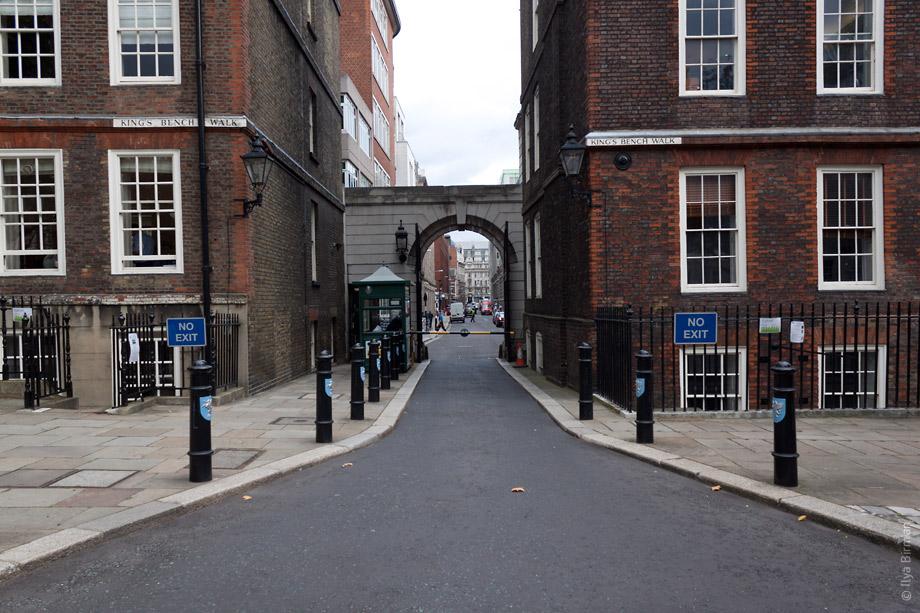 Уличные таблички Лондона. King's Bench Walk