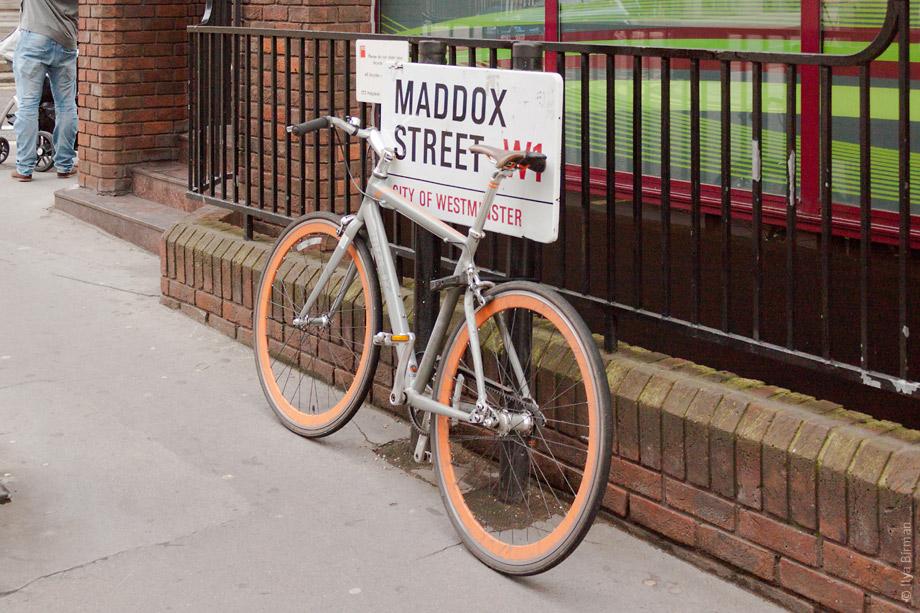 Уличные таблички Лондона. Maddox streett
