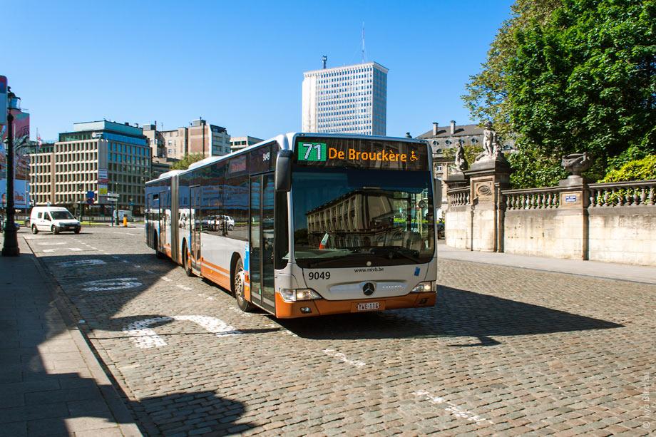 может ли автобус останавливаться под знаком